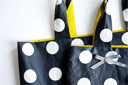 polka dot - Bag with polka dots, close-up, Munich, Bavaria, Germany Stock Photo - Premium Royalty-Free, Code: 6115-06966965
