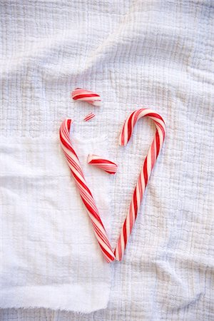 red stick candy - Candy Cane Heart, Munich, Bavaria, Germany Stock Photo - Premium Royalty-Free, Code: 6115-07109633