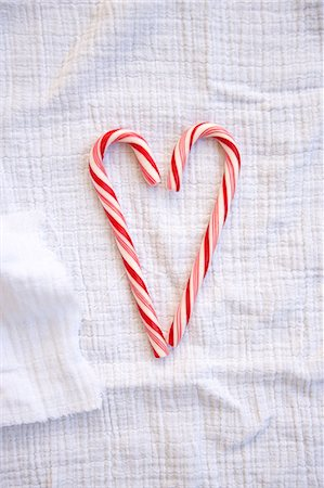 red stick candy - Candy Cane Heart, Munich, Bavaria, Germany Stock Photo - Premium Royalty-Free, Code: 6115-07109632