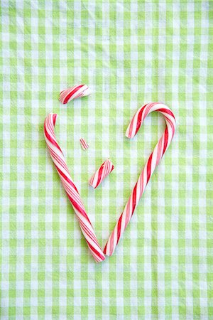 red stick candy - Candy Cane Heart, Munich, Bavaria, Germany Stock Photo - Premium Royalty-Free, Code: 6115-07109635