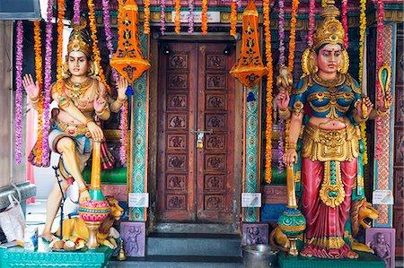 Sri Vadapathira Kaliamman Hindu Temple, Little India, Singapore, Southeast Asia, Asia Stock Photo - Premium Royalty-Free, Code: 6119-07443728