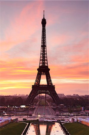 Eiffel Tower at sunrise, Paris, Ile de France, France, Europe Stock Photo - Premium Royalty-Free, Code: 6119-07451865