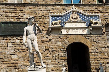 statue of david - Statue of David, Palazzo Vecchio on the Piazza della Signoria, Florence (Firenze), UNESCO World Heritage Site, Tuscany, Italy Stock Photo - Premium Royalty-Free, Code: 6119-07452208