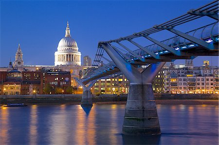 River Thames, Millennium Bridge and St. Paul's Cathedral at dusk, London, England, United Kingdom, Europe Stock Photo - Premium Royalty-Free, Code: 6119-07541598