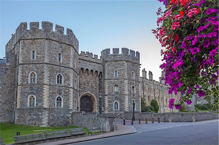 Windsor Castle in the morning with flowers in hanging baskets, Windsor, Berkshire, England, United Kingdom, Europe Stock Photo - Premium Royalty-Free, Code: 6119-07845347