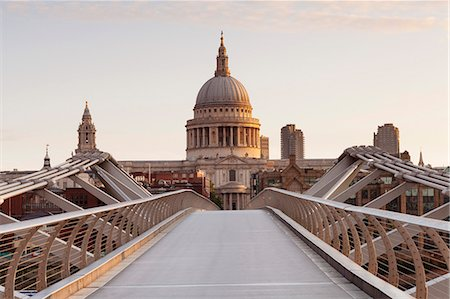 Millennium Bridge and St .Paul's Cathedral at sunrise, London, England, United Kingdom, Europe Stock Photo - Premium Royalty-Free, Code: 6119-07845508
