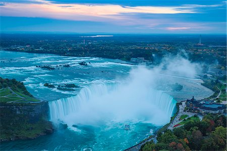 View of Horseshoe Falls, Niagara Falls, Niagara, border of New York State, and Ontario, Canada, North America Stock Photo - Premium Royalty-Free, Code: 6119-07943547