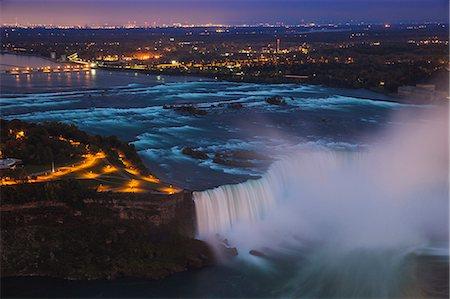 View of Horseshoe Falls, Niagara Falls, Niagara, border of New York State, and Ontario, Canada, North America Stock Photo - Premium Royalty-Free, Code: 6119-07943549
