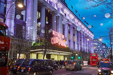 Selfridges at Christmas, Oxford Street, London, England, United Kingdom, Europe Stock Photo - Premium Royalty-Free, Code: 6119-08062172