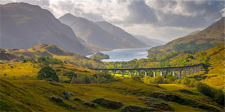 scenic - Glenfinnan Railway Viaduct, part of the West Highland Line, Glenfinnan, Loch Shiel, Highlands, Scotland, United Kingdom, Europe Stock Photo - Premium Royalty-Free, Code: 6119-08062405