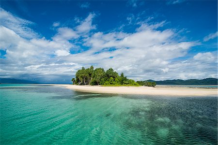 Turquoise water and white sand beach, White Island, Buka, Bougainville, Papua New Guinea, Pacific Stock Photo - Premium Royalty-Free, Code: 6119-08803290