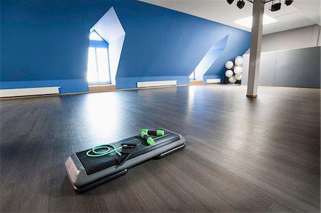 Fitness equipment empty hall room still life Stock Photo - Premium Royalty-Free, Code: 6121-07970173