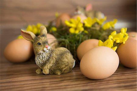 represented - Close-up of an Easter bunny with Easter eggs, Munich, Bavaria, Germany Stock Photo - Premium Royalty-Free, Code: 6121-08106646