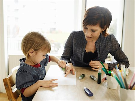draw - Mother and daughter drawing together Stock Photo - Premium Royalty-Free, Code: 6122-07706024