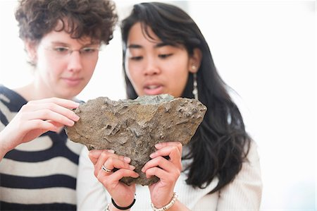 Students working in geology lab Stock Photo - Premium Royalty-Free, Code: 6122-07706490