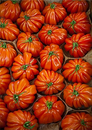 Close up of tomatoes Stock Photo - Premium Royalty-Free, Code: 6122-08229383