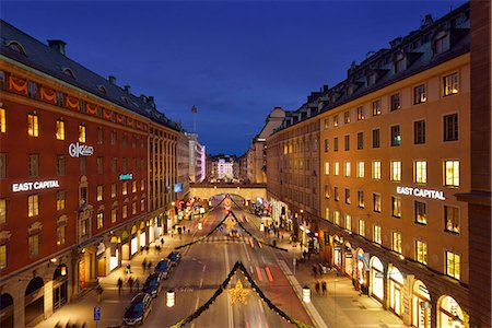 stockholm - Sweden, Uppland, Stockholm, Kungsgatan, City street at night Stock Photo - Premium Royalty-Free, Code: 6126-08781497