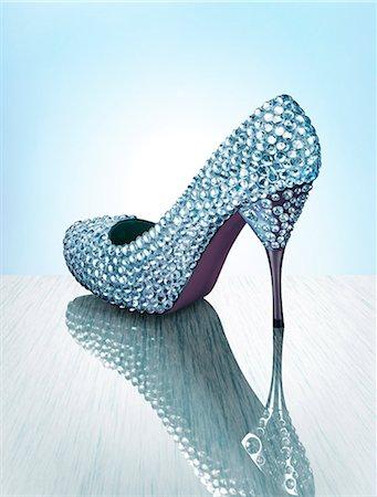 diamond - Sparkling Luxury Shoe Stock Photo - Premium Royalty-Free, Code: 613-07459589