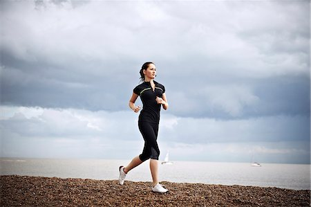 female runner Stock Photo - Premium Royalty-Free, Code: 613-07492512