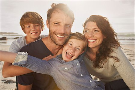 people and vacation - Portrait of family outdoors, close up Stock Photo - Premium Royalty-Free, Code: 613-07734576