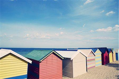 simsearch:400-04638538,k - Brighton beach, bathing boxes Stock Photo - Premium Royalty-Free, Code: 613-08242342