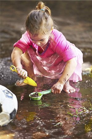 dirty - Having fun while learning outdoors Stock Photo - Premium Royalty-Free, Code: 613-08275254