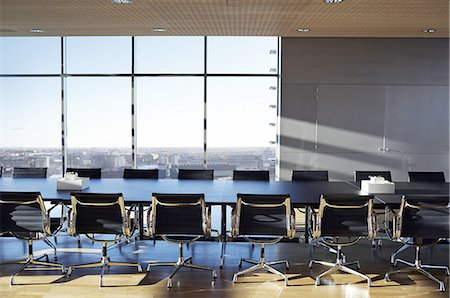 empty - Empty stylish conference room Photographie de stock - Premium Libres de Droits, Code: 613-08386921