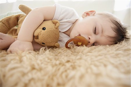 floor - His favorite napping spot Stock Photo - Premium Royalty-Free, Code: 613-08387003