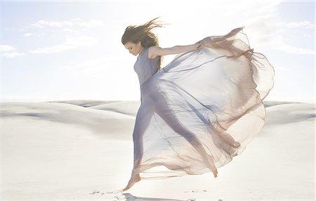 sandi model - Goddess of freedom Stock Photo - Premium Royalty-Free, Code: 613-08387295