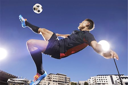 soccer player (male) - That technique is flawless Stock Photo - Premium Royalty-Free, Code: 613-08526628