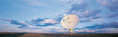 radio telescope - Very Large Array Radio Telescope, National Rodio Astronomy Observatory New Mexico, USA Stock Photo - Premium Royalty-Free, Code: 613-00532909