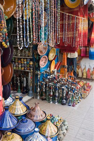 Morocco, Essaouira, vases and bead necklaces outside souvenir shop Stock Photo - Premium Royalty-Free, Code: 613-01102015