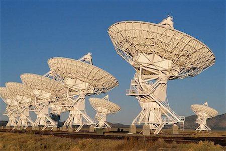 radio telescope - Field of arrays/satellite dishes Stock Photo - Premium Royalty-Free, Code: 613-01403966
