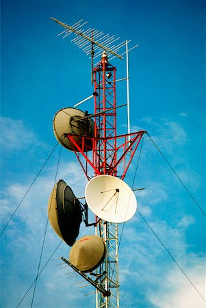 radio telescope - Low angle view of a radio tower Stock Photo - Premium Royalty-Free, Code: 625-00903849