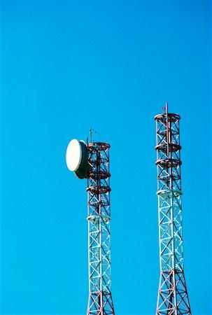 radio telescope - Low angle view of communications towers, Leesburg, Virginia, USA Stock Photo - Premium Royalty-Free, Code: 625-00903850