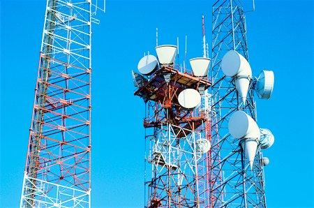 radio telescope - Low angle view of microwave radio towers, Washington DC, USA Stock Photo - Premium Royalty-Free, Code: 625-00903851