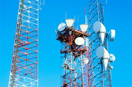 radio telescope - Low angle view of microwave radio towers, Washington DC, USA Stock Photo - Premium Royalty-Free, Code: 625-00903851