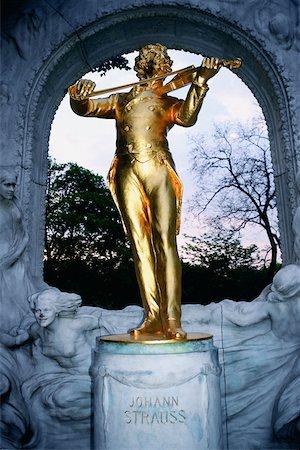 Close-up of a statue, Johann Strauss Statue, Vienna, Austria Stock Photo - Premium Royalty-Free, Code: 625-01098580