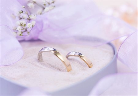 Arrangement with wedding rings Stock Photo - Premium Royalty-Free, Code: 628-05817844