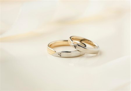 Wedding rings Stock Photo - Premium Royalty-Free, Code: 628-05817841