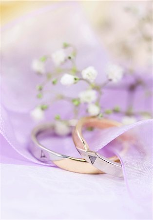 Arrangement with wedding rings Stock Photo - Premium Royalty-Free, Code: 628-05817843