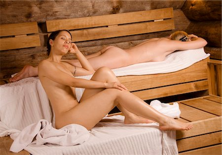 Two women relaxing in sauna Stock Photo - Premium Royalty-Free, Code: 628-05817951