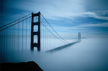 Fog Surrounding The Golden Gate Bridge Stock Photo - Premium Royalty-Free, Code: 621-00740321