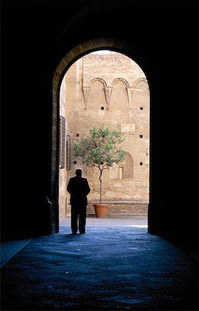 Archway, Siena, Tuscany, Italy Stock Photo - Premium Royalty-Free, Code: 621-00740395