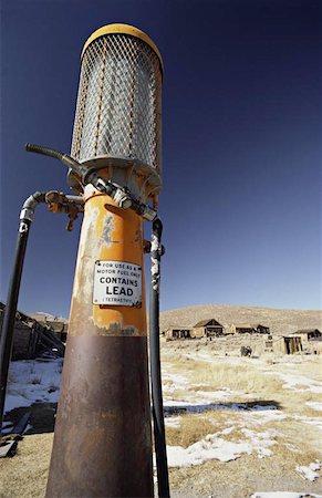 rural gas station - Antique Gas Pump Stock Photo - Premium Royalty-Free, Code: 621-01003957