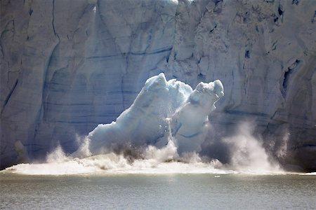 perito moreno glacier - Ice Calving from the Perito Moreno Glacier, Argentina Stock Photo - Premium Royalty-Free, Code: 621-01113890