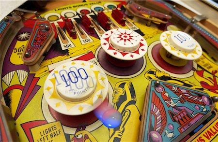 pinball - Pinball Machine Stock Photo - Premium Royalty-Free, Code: 621-01231027