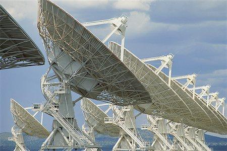radio telescope - Radio telescopes Stock Photo - Premium Royalty-Free, Code: 621-01305536