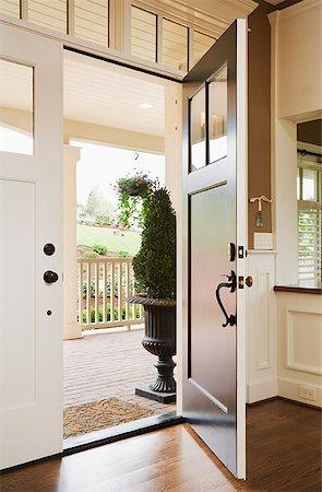 Open door Stock Photo - Premium Royalty-Free, Code: 621-02057340