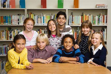 Portrait of children in library Stock Photo - Premium Royalty-Free, Code: 621-02085803